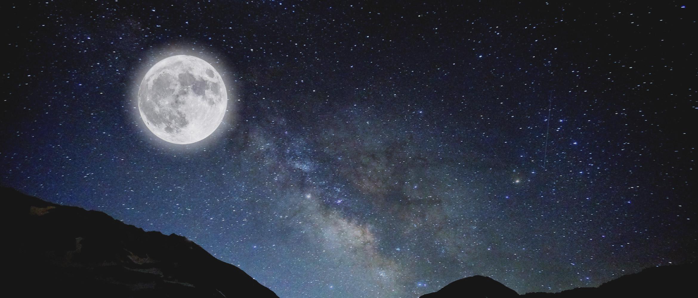 満月、新月 月のリズムに合わせて蒸留します